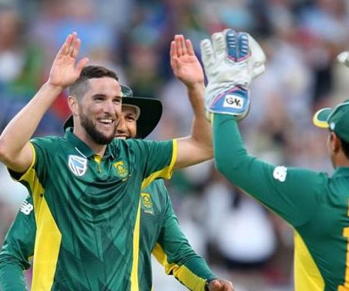 CAPE TOWN, SOUTH AFRICA - FEBRUARY 07: Wayne Parnell of the Proteas celebrates during the 4th ODI between South Africa and Sri Lanka at PPC Newlands on February 07, 2017 in Cape Town, South Africa. (Photo by Carl Fourie/Gallo Images/Getty Images)