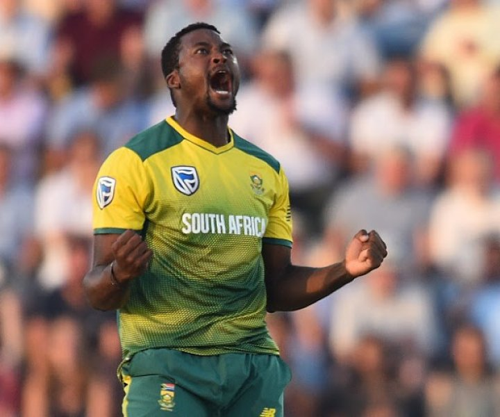 South Africa's Andile Phehlukwayo celebrates after trapping England's Jason Roy leg before wicket (LBW) during the T20 international cricket match between England and South Africa at The Ageas Bowl in Southampton, on the south coast of England, on June 21, 2017. South Africa made 142 for 3 from their 20 overs. / AFP PHOTO / Glyn KIRK / RESTRICTED TO EDITORIAL USE. NO ASSOCIATION WITH DIRECT COMPETITOR OF SPONSOR, PARTNER, OR SUPPLIER OF THE ECB